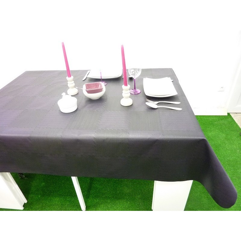 nappe en tissu enduit fonds noir avec nuances prune facile. Black Bedroom Furniture Sets. Home Design Ideas